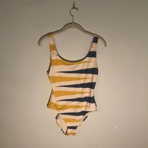 SOLID AND STRIPED One Piece